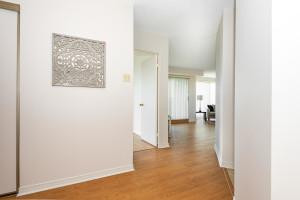 545 St Laurent Blvd Unit 604-large-008-2-8-1499x1000-72dpi