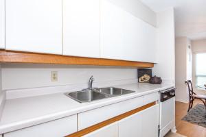 545 St Laurent Blvd Unit 604-large-016-18-16-1500x1000-72dpi