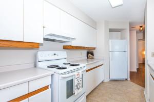 545 St Laurent Blvd Unit 604-large-017-16-17-1499x1000-72dpi