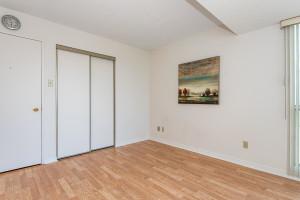 545 St Laurent Blvd Unit 604-large-025-35-26-1499x1000-72dpi