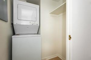 545 St Laurent Blvd Unit 604-large-027-23-28-1499x1000-72dpi
