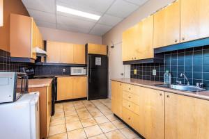 545 St Laurent Blvd Unit 604-large-037-33-38-1499x1000-72dpi