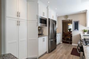 1115 SaintGermain Cres-large-013-8-Kitchen-1500x1000-72dpi