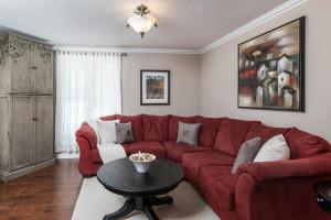 1115 SaintGermain Cres-large-017-14-Family Room-1500x1000-72dpi