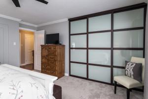 1115 SaintGermain Cres-large-024-16-Master Bedroom-1500x1000-72dpi