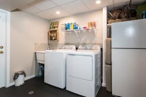 1115 SaintGermain Cres-large-033-25-Lower Level Laundry-1500x1000-72dpi